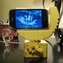 Wooden-Crank-iPhone-Dock