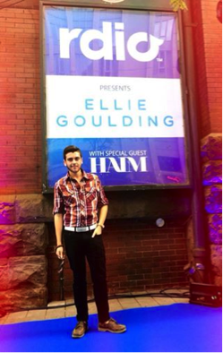 """On the RdioCa blue carpet, en route to see Ellie Goulding and HAIM! Special thanks to """"The Morning Show"""" :)"""